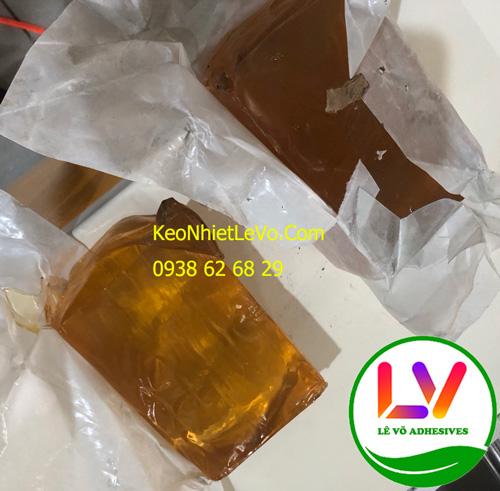 Keo nóng chảy PSA dạng bánh của doanh nghiệp đang dùng cho máy đóng gói vỏ hộp giấy