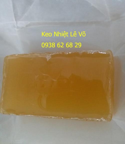 Dùng keo hotmelt hạn chế bị biến tính và trở thành lớp cặn than trong máy móc.