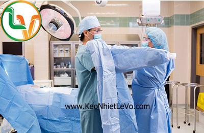 Đồ phẫu thuật dùng 1 lần thường sử dụng keo hotmelt để dán vải không dệt