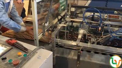 Sử dụng máy dán túi đẩy tay trong sản xuất