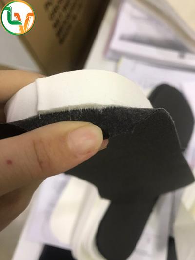 Miếng lót giày giúp bảo vệ gót chân